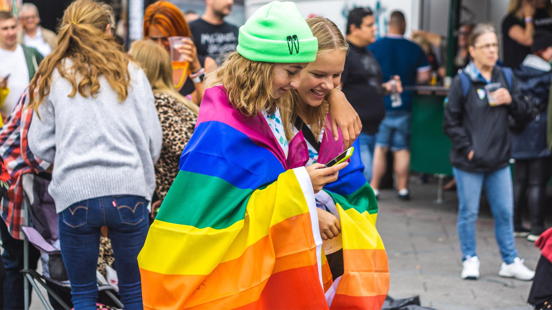 丹麥瑞典研究顯示同婚合法降低污名感受,同志自殺率大幅下降