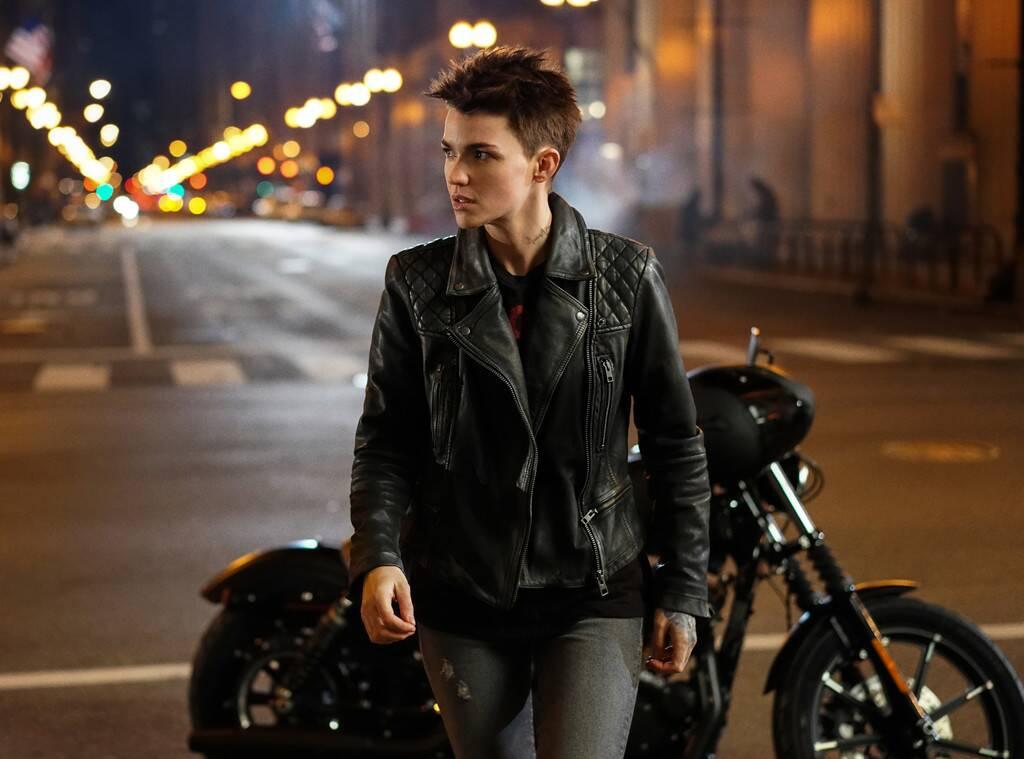 《蝙蝠女俠》十月首播,露比羅絲:我在她身上看到自己