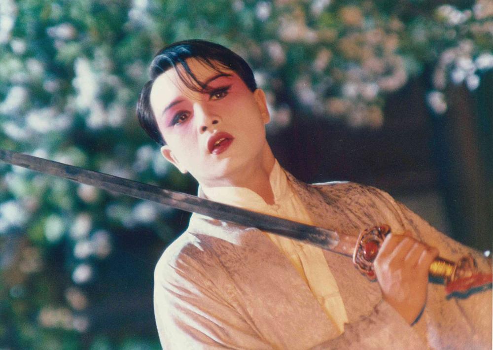 張國榮就是程蝶衣,《霸王別姬》導演夢見張國榮一身白衫與他告別