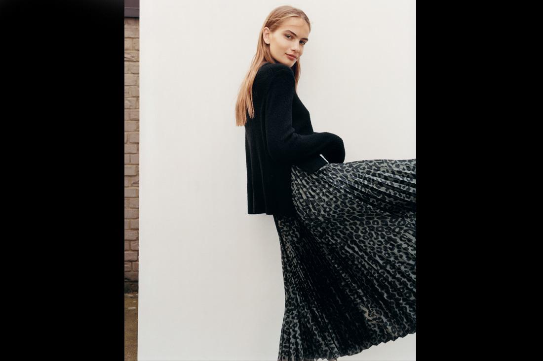 AllSaints 25週年秋冬女裝致敬90年代,經典混搭新元素,讓個性女孩帥一波
