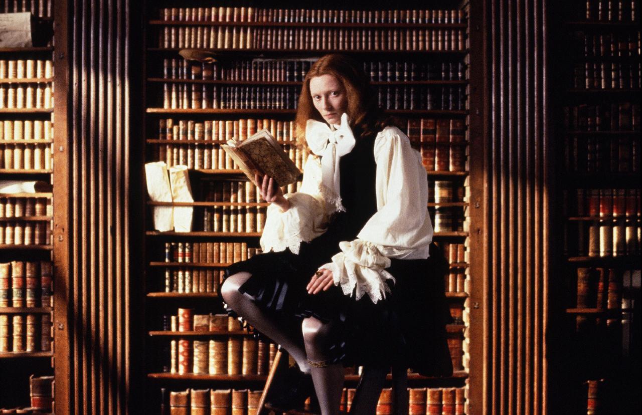影評》穿梭四百年,跨越男與女,蒂妲·絲雲頓《歐蘭朵》成就經典