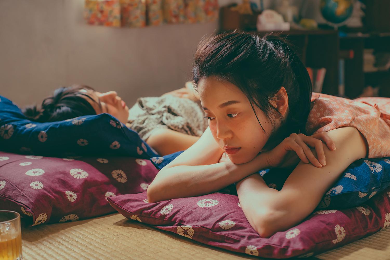 林辰唏、程予希為戲回春演高中生,女同志影集《第一次遇見花香的那刻》大談唯美女女戀